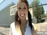 Een lekker geil meisje op straat