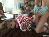 Een BDSM rollenspel maakt de slet in haar los